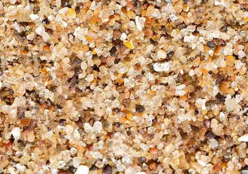 увеличенные крупинки карьерного песка